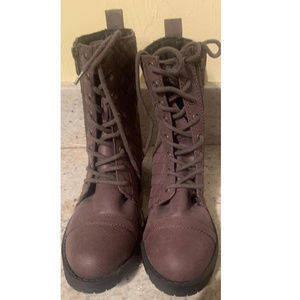 NWOT MOSSIMO mocha colored boots with laces